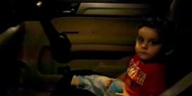 Protest in Libanon: demonstranten zingen 'Baby shark' voor peuter