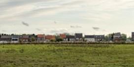 12 voetbalvelden open ruimte weg, elke dag opnieuw. Hoeveel beton willen we nog?