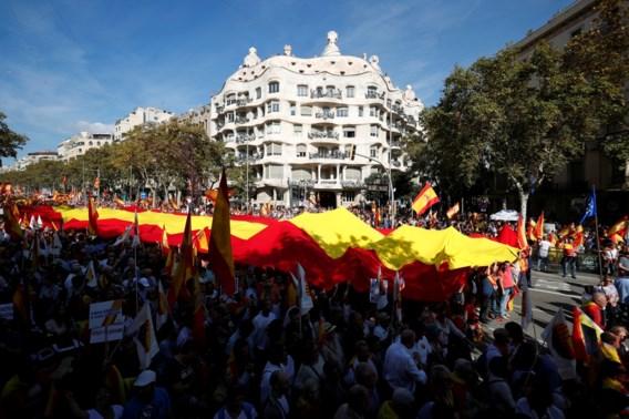 Tienduizenden betogen in Barcelona tegen afscheuring van Catalonië
