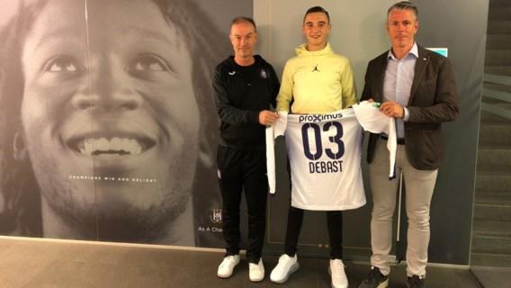 """Anderlecht geeft amper zestienjarige Zeno Debast zijn eerste profcontract: """"Wissel voor de toekomst"""""""