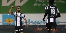 Charleroi knokt zich met tien man voorbij KV Oostende