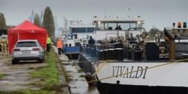 Twee bemanningsleden vallen overboord: een man overleden, tweede kritiek