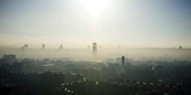 Demir na bezoek deurwaarder Greenpeace:  'Dwangsommen zorgen niet voor propere lucht'
