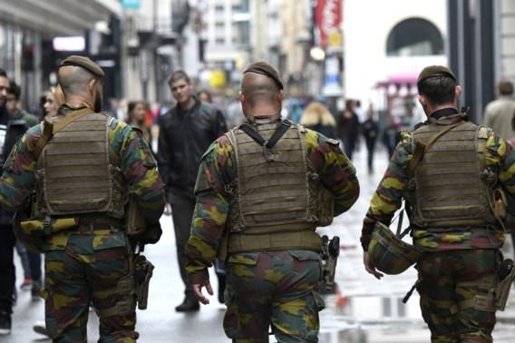 Politie en leger voeren samen verkeerscontroles uit