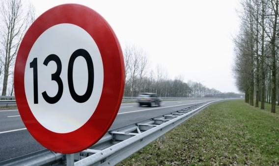 Maximumsnelheid in Nederland overal naar 100 km/u, behalve 's nachts