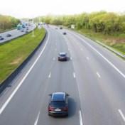 Trager op de snelweg is veiliger en goedkoper (maar niet prettiger)