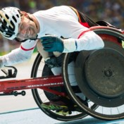 Peter Genyn verlengt wereldtitel op 200 meter