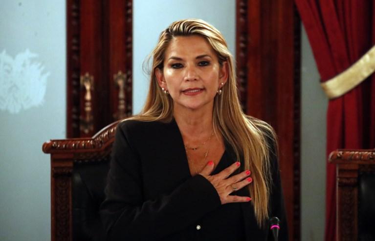 Boliviaanse senatrice Jeanine Añez roept zichzelf uit tot interim-president, ondanks boycot