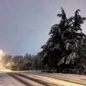 Man overleden en grote stroompanne na hevige sneeuwval in Frankrijk