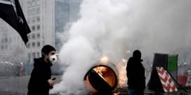 Rellen in Parijs bij eerste verjaardag van gele hesjes