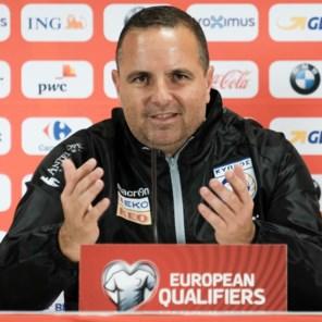 """Cypriotische bondscoach: """"Opnieuw tegen de Rode Duivels spelen is voor ons een nachtmerrie"""""""