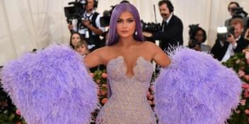 Kylie Jenner verkoopt cosmeticamerk aan Coty