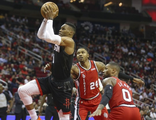 James Harden en Russell Westbrook leiden Houston Rockets naar achtste zege op rij in NBA