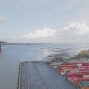 Grootste kranen ter wereld aangekomen in Antwerpse haven