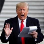 Trump speelt, met spiekbriefje in de hand, telefoongesprek met Sondland na
