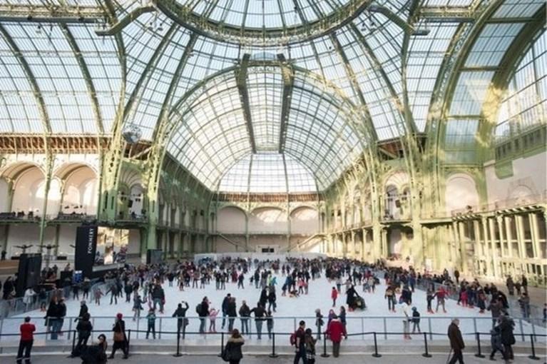 Schaatsen kan ook op dak van Galeries Lafayette