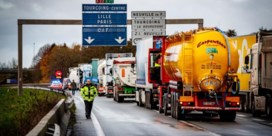 Franse truckers zetten actie aan grensovergang in Rekkem stop