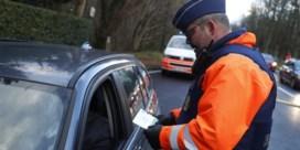 Bobcampagne: politie controleert ook zwalpende auto's op gsm-gebruik