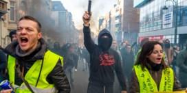 Zowat 250 mensen nemen deel aan betoging gele hesjes in Brussel