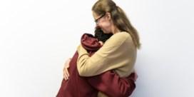 'Een tiener die als een huilbaby reageert, moet je geven wat hij als baby gemist heeft'