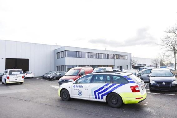 Opnieuw kogelinslagen ontdekt in Antwerpen, nu in magazijn