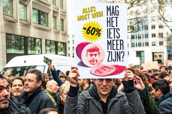 '2.000 betogers' aan Vlaams Parlement: 'Vooral kwetsbare mensen dupe van besparingen'