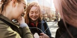 Kwart van jongeren hangt vast aan smartphone