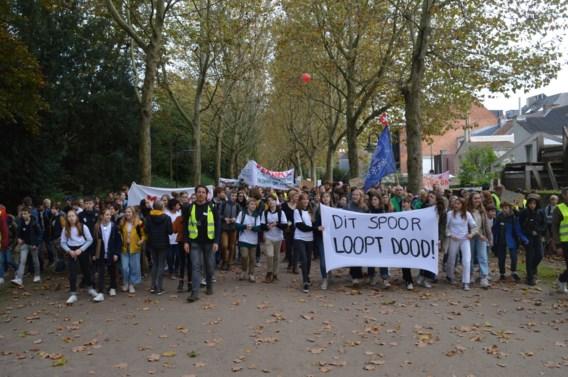 Leuvense scholen blazen fusieproject Perron 3000 af