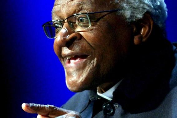 Nobelprijswinnaar Desmond Tutu gehospitaliseerd
