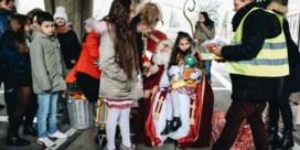 Soms draagt Sinterklaas een geel hesje
