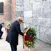 Merkel waarschuwt voor antisemitisme in Auschwitz: 'We mogen onze oren en ogen niet sluiten'
