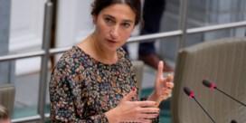 Vlaams minister Zuhal Demir gaat 'planepoolen' naar Madrid: 'Een kwinkslag'