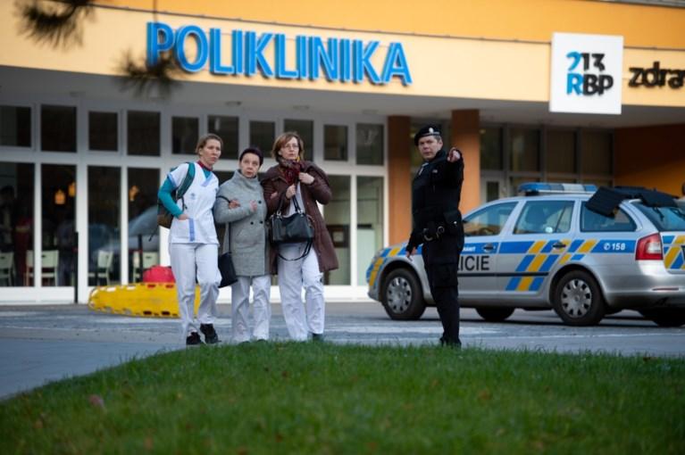 Zes doden bij schietpartij Tsjechisch ziekenhuis, dader benam zich van het leven