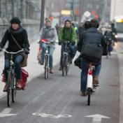 Antwerpen plaatst eerste waarschuwingsborden voor snelle fietsers: 'Pas uw rijgedrag aan'