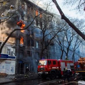 Zestien lichamen geborgen na brand in Oekraïense school