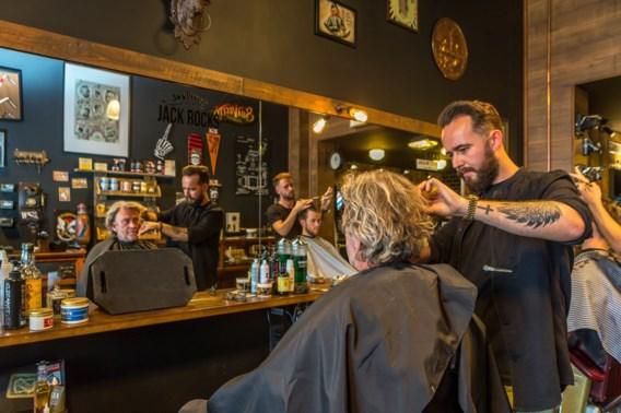 Minister Muylle wil geen aparte tarieven meer voor mannen en vrouwen bij de kapper