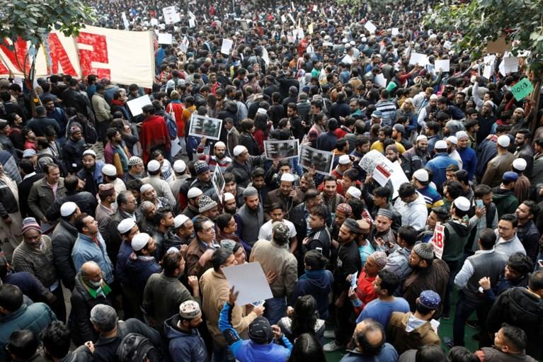 Zes doden na gewelddadig protest tegen omstreden wet