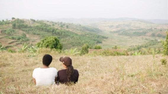 Canvasreeks 'Terug naar Rwanda' wint Ha! Van Humo
