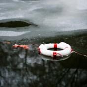 Hoe kun je een plotse ijsduik overleven?