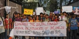 Zes doden en geweld op campus na 'moslimban'