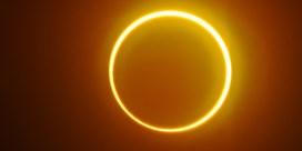 Zonsverduistering vormt 'ring of fire' rond de maan