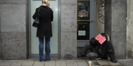 Groen: 'Eén geldautomaat in straal van vijf kilometer'