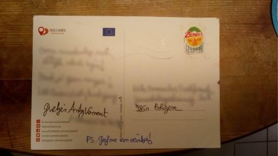 Opnieuw briefkaart met kiwisticker bezorgd door Bpost: 'Goedkoper dan priorzegel en meer vitamientjes'