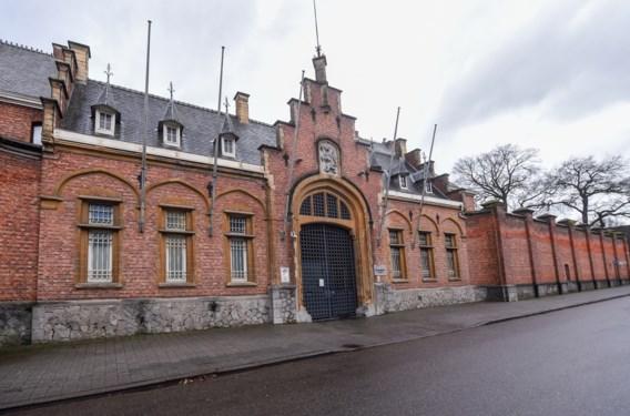 Extra camera en prikkeldraad moeten nieuwe ontsnappingen gevangenis Turnhout voorkomen
