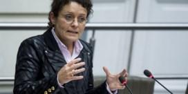 Minister Peeters: 'Pestgedrag voor reizigers De Lijn, gegarandeerde dienstverlening starten'