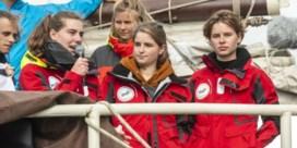 Anuna De Wever met vrachtschip naar huis