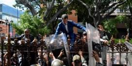 Venezolaanse militairen ontzeggenGuaidó toegang tot parlement