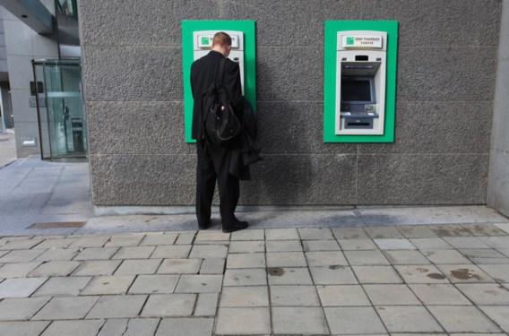 Grootbanken gaan 'bank-neutrale' geldautomaten bouwen