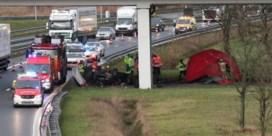 Parket voert onderzoek naar dodelijk ongeval met twee Nederlanders op A12