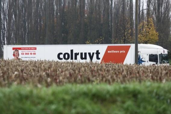 Twaalf transmigranten aangetroffen in koelwagen in Halle